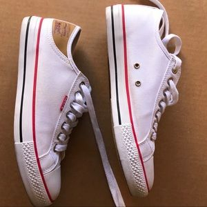 Levi's White Sneakers Size 8.5